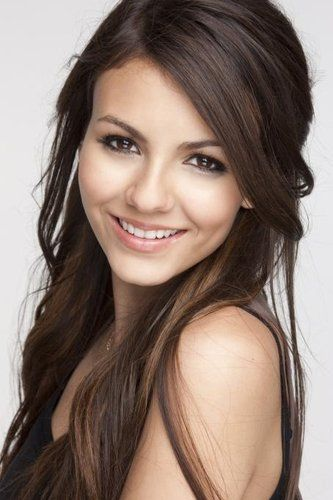 brown eyed victoria justice